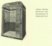 Cabina Stigler in legno con decorazioni